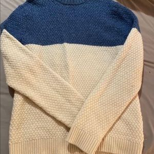 H&M White & Blue Sweater. Size L